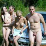 Русские свингеры трахаются на природе